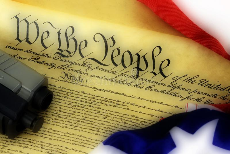 USA-konstitution med handvapnet - rakt till uppehälle- och björnarmar royaltyfria foton