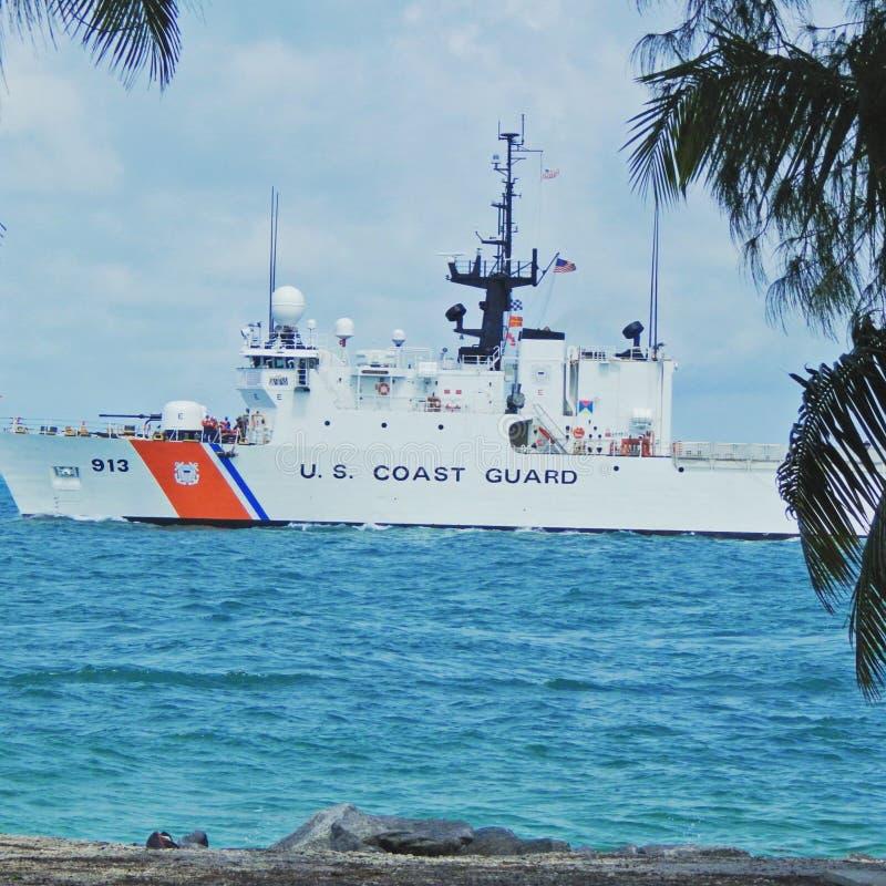 USA-kustbevakning Ship av kusten av Key West Florida royaltyfria bilder