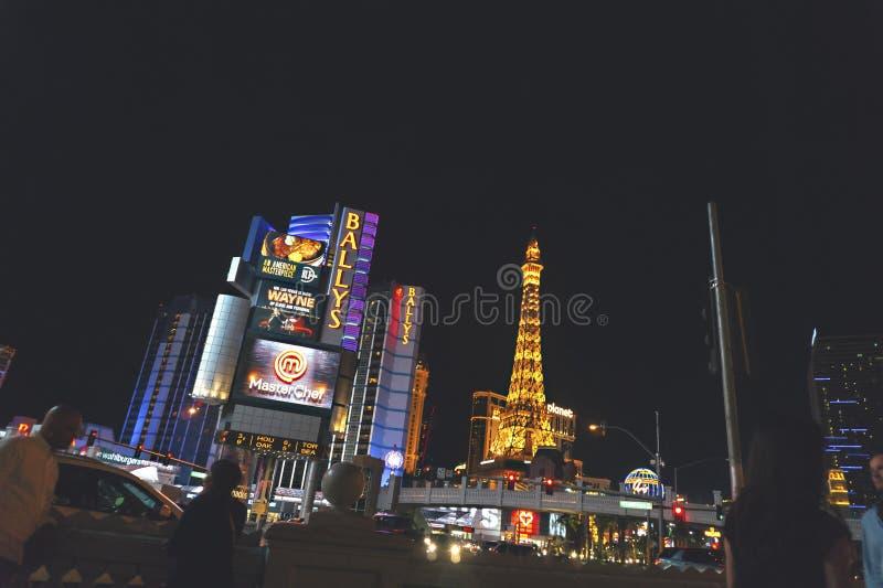 USA LAS VEGAS - SEPTEMBER 25 2016: Las Vegas gator på natten arkivfoton
