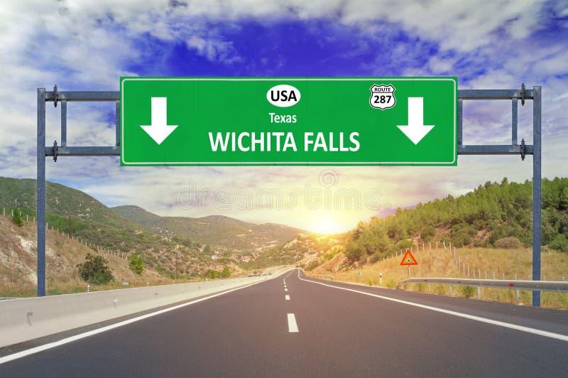 USA miasto Wichita Spada drogowy znak na autostradzie zdjęcia royalty free