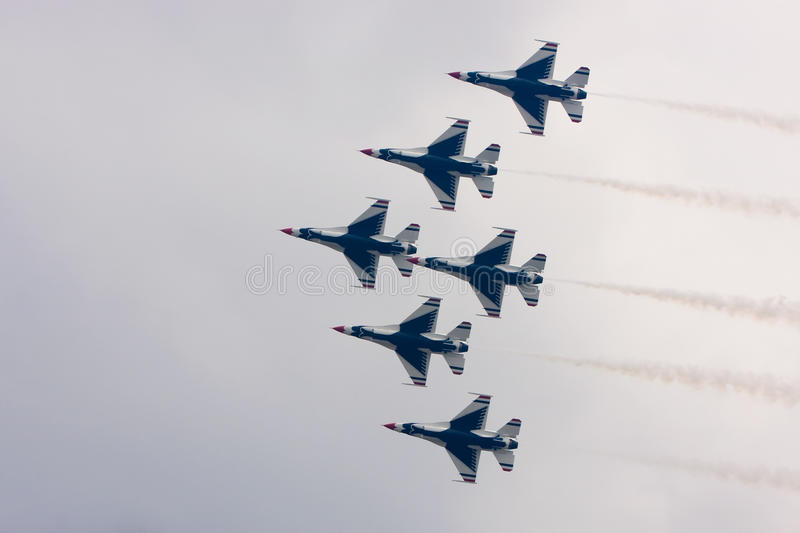 Download USAF Thunderbirds Fly In Formation Editorial Photography - Image: 11375247