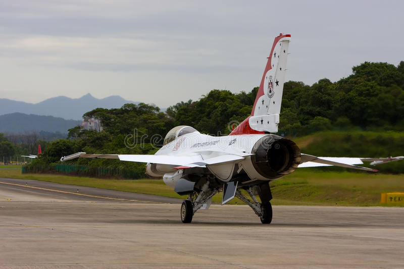 Download USAF Thunderbirds Taxiing Down The Runway Editorial Photo - Image: 11346126
