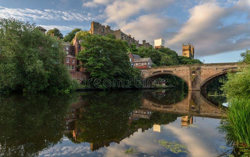Usage Angleterre R-U de rivière de cathédrale de Durham images libres de droits