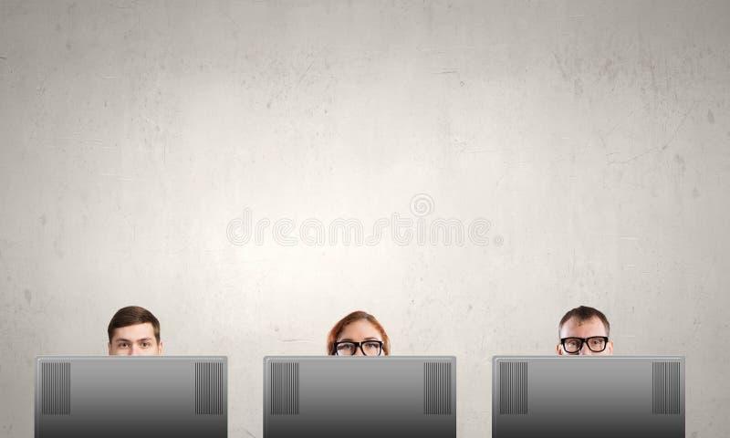 Usando o portátil imagem de stock royalty free