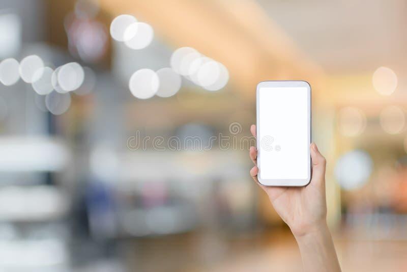 Usando Smartphone ilustração do vetor