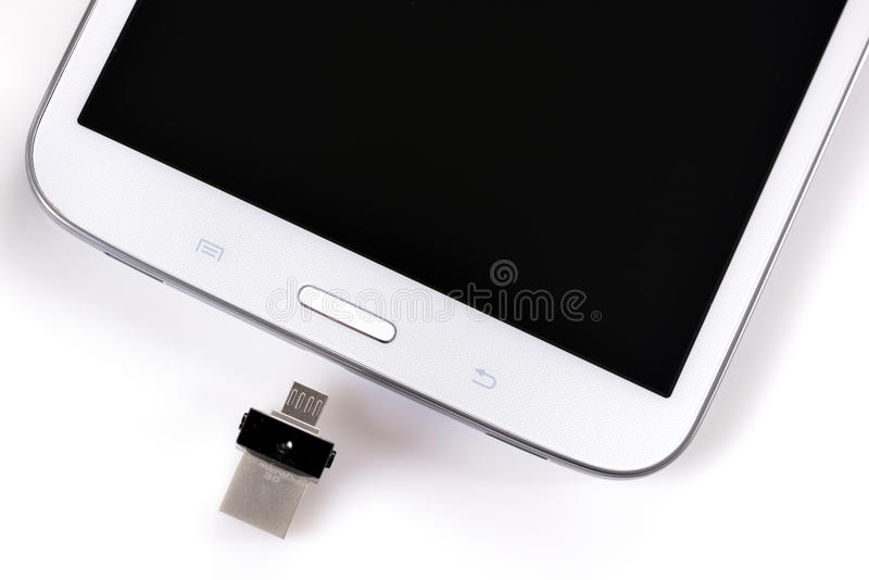 USB闪光驱动ss 3 0和片剂 库存照片