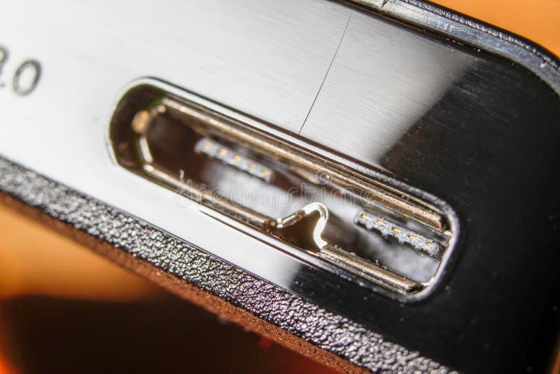 Usb 3 0 conectores en la unidad de disco duro externa foto de archivo