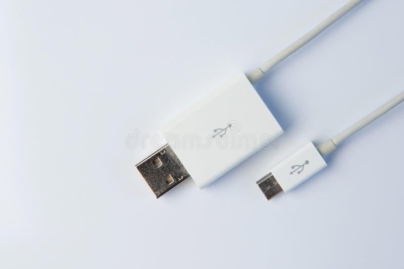USB connectoon een witte achtergrond stock afbeeldingen