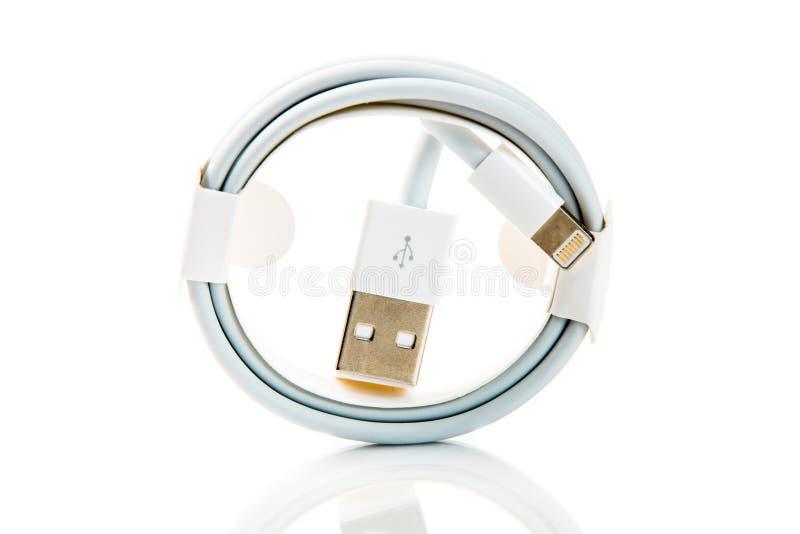 USB-Kabel für die Aufladungsund Verbindungsgeräte stockfoto