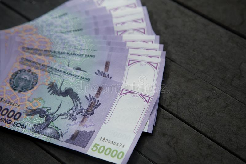 Usbekbanknoten Fünfzig tausend Usbek-Summen lizenzfreie stockbilder