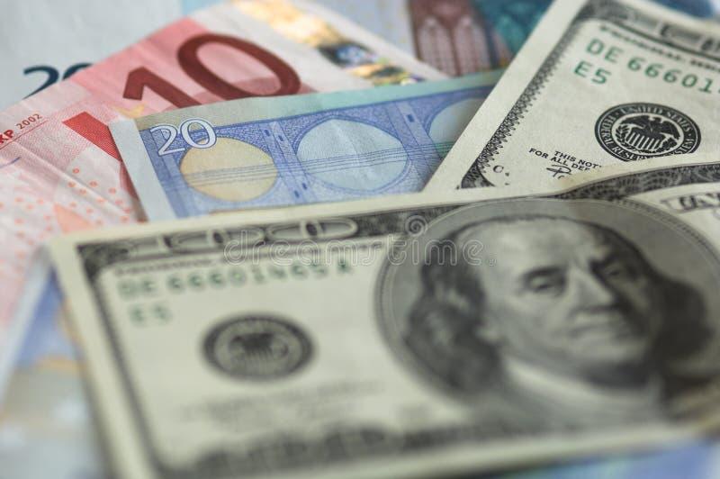 Usd e notas dos euro fotos de stock royalty free