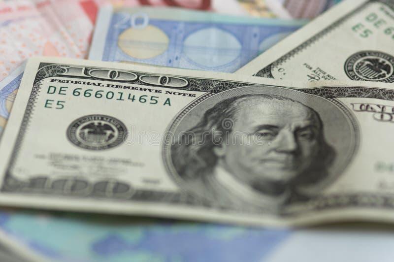 Usd y notas de los euros fotografía de archivo libre de regalías