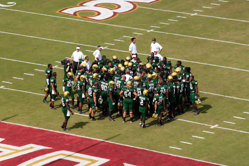Download USF Bulls editorial photography. Image of helmets, defense - 15742142