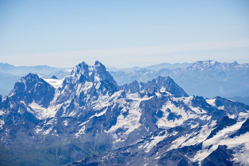 Ushba, maggior catena montuosa di Caucaso fotografie stock libere da diritti