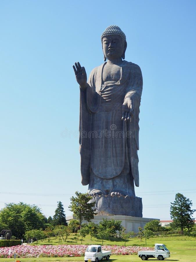 Ushiku Daibutsu - Standbeeld van het Wereld het Langste Brons van Boedha stock afbeelding
