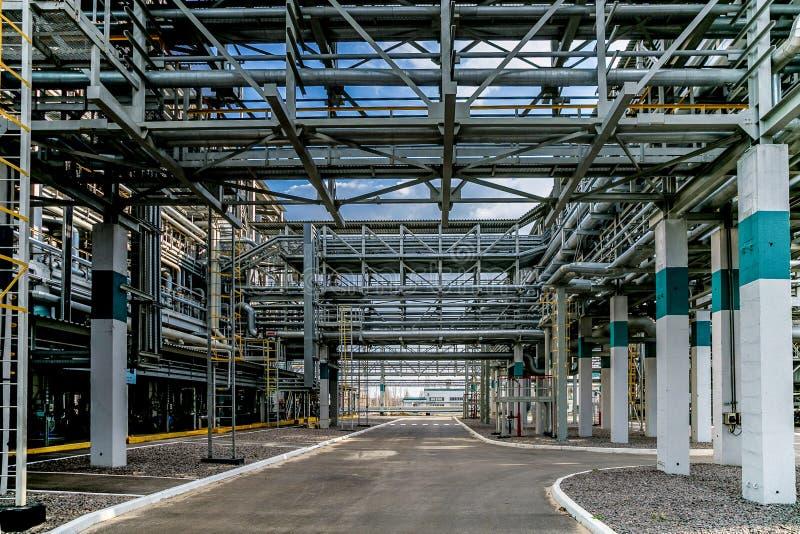 Usine chimique Élastomère et chaîne de production thermoplastique Réseau de pipe-lines en acier pour fournir des composants images libres de droits