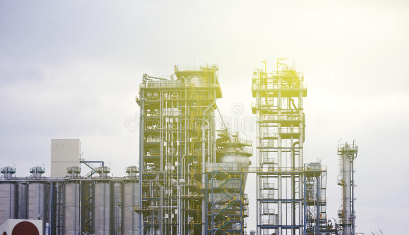 Usine chimique moderne, industrie mondiale image stock