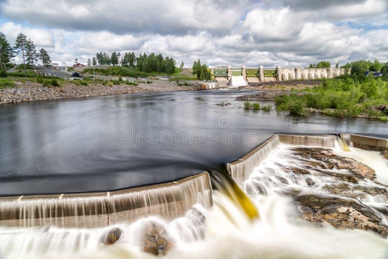 Usine d'hydroélectricité dans Stornorrfors, Suède photographie stock