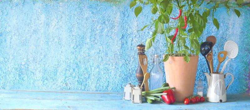 Usine de poivre de piment, légumes, ustensiles de cuisine, cuisson, panoramique, franc photo stock