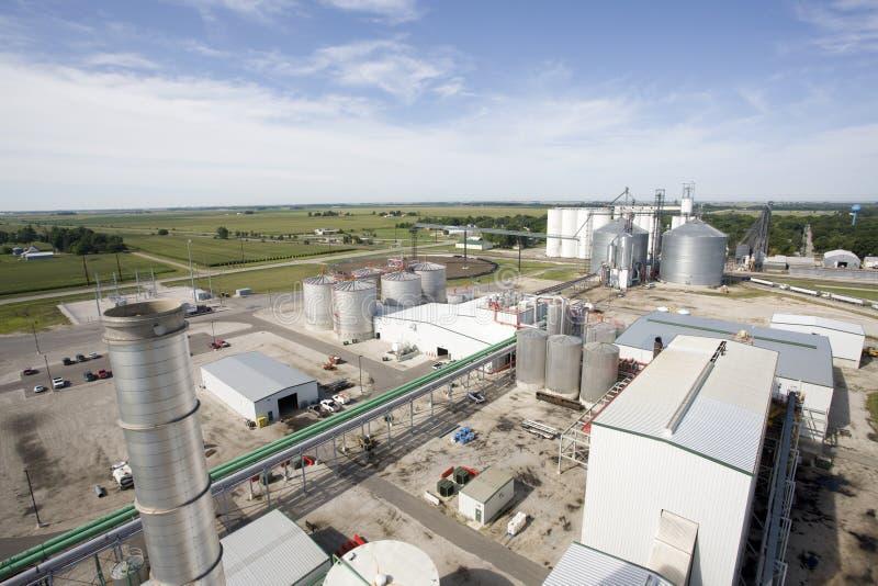 Usine de raffinerie d'éthanol images stock