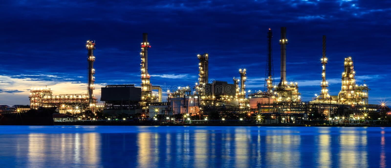 Usine de raffinerie de pétrole photographie stock