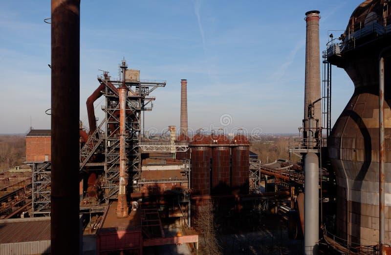 Usine en acier Landschaftspark, Duisbourg, Allemagne de fours de cheminées image libre de droits