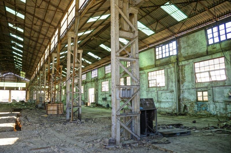 Usine industrielle abandonnée images stock