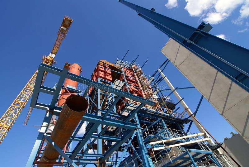 Usine industrielle de construction de faisceaux de grues image stock