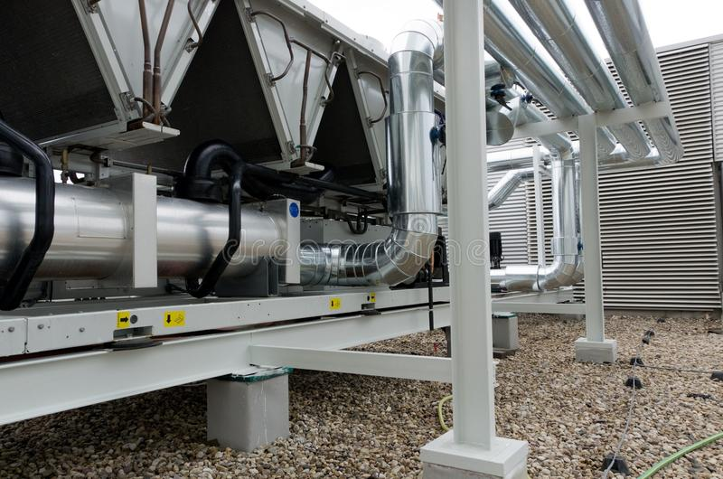 Usine refroidie par air de refroidisseur d'eau avec la canalisation photo libre de droits