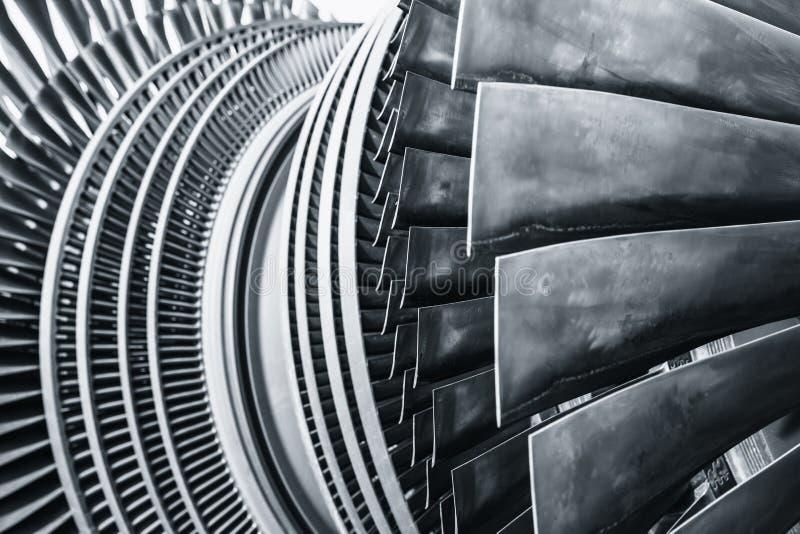 Uso de la cuchilla del metal de la turbina de vapor en la central eléctrica fotos de archivo libres de regalías