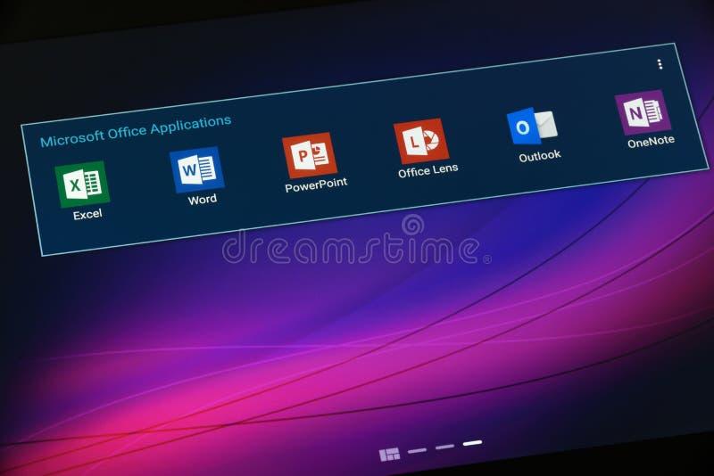Usos de Microsoft Office en la tableta con Android foto de archivo