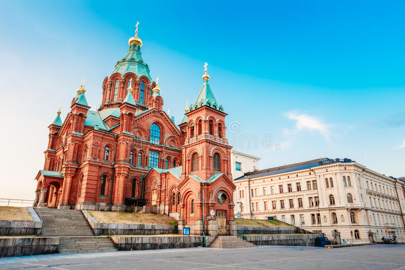 Uspenski大教堂,赫尔辛基夏天晴天 库存照片