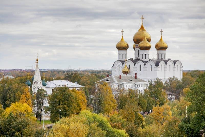 Uspenskiy大教堂在雅罗斯拉夫尔市镇,俄罗斯 免版税库存照片