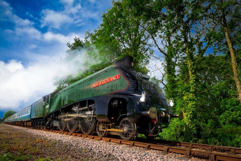 Usprawniony kontrpara pociąg na lato dniu fotografia royalty free