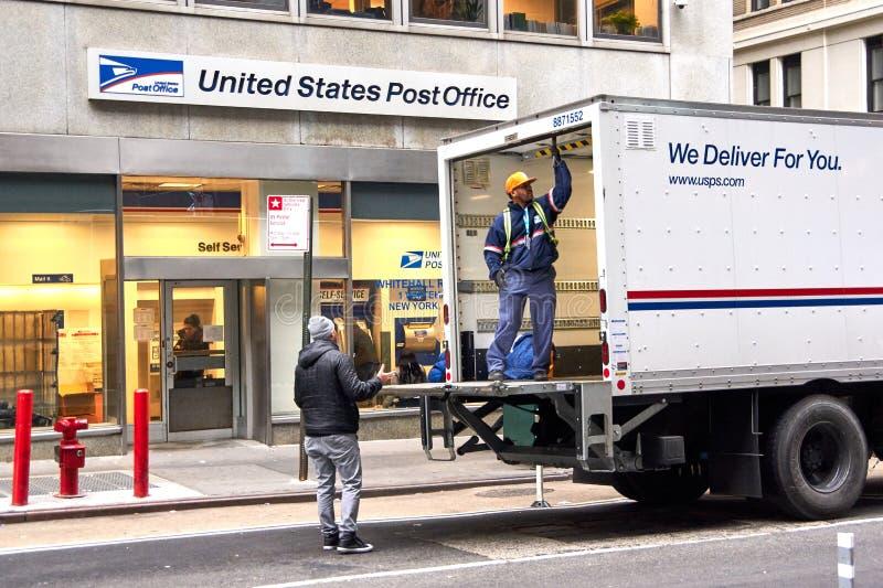 USPS doręczeniowa ciężarówka obraz stock