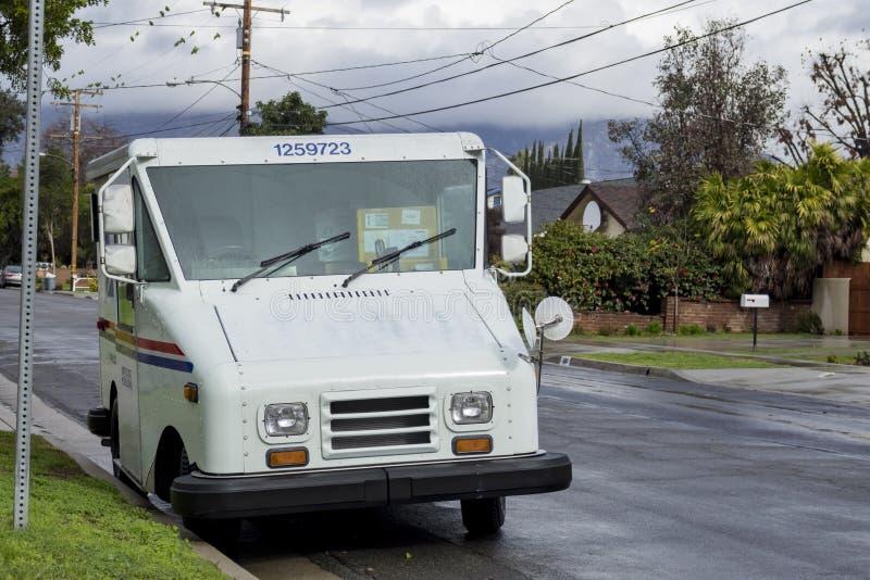 USPS dostawa w rainny dniu obrazy royalty free