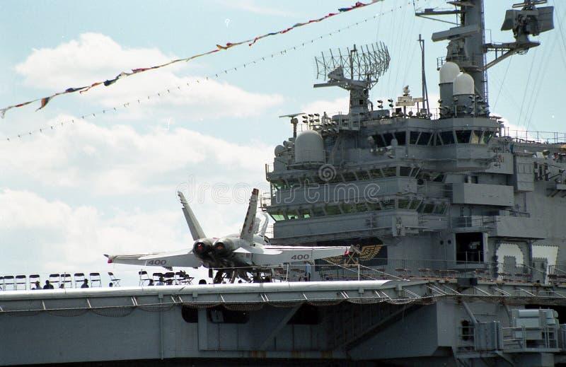 USS约翰F的驾驶舱的2000个看法 肯尼迪 库存照片