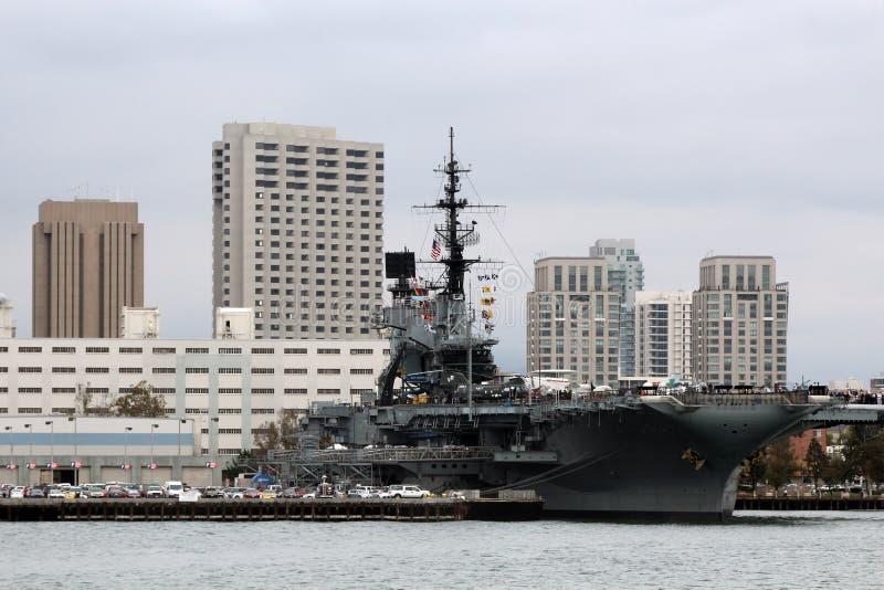 USS ευρισκόμενο στη μέση του δρόμου, Σαν Ντιέγκο στοκ εικόνες