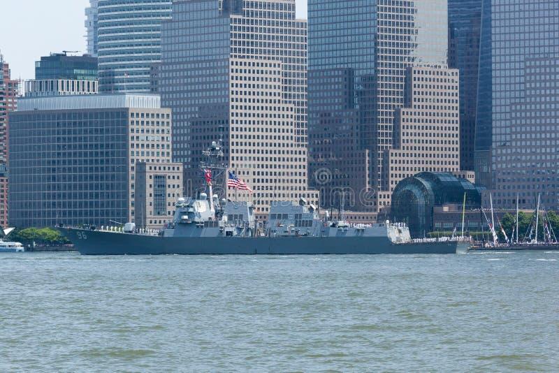USS Bainbridge på den hastiga veckan arkivfoto