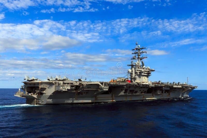 USS Dwight D Eisenhower arkivbilder