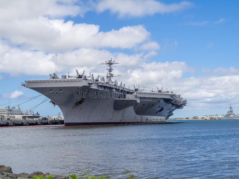 USS John C Stennis på Augusti 5, 2016 i pärlemorfärg hamn royaltyfri fotografi