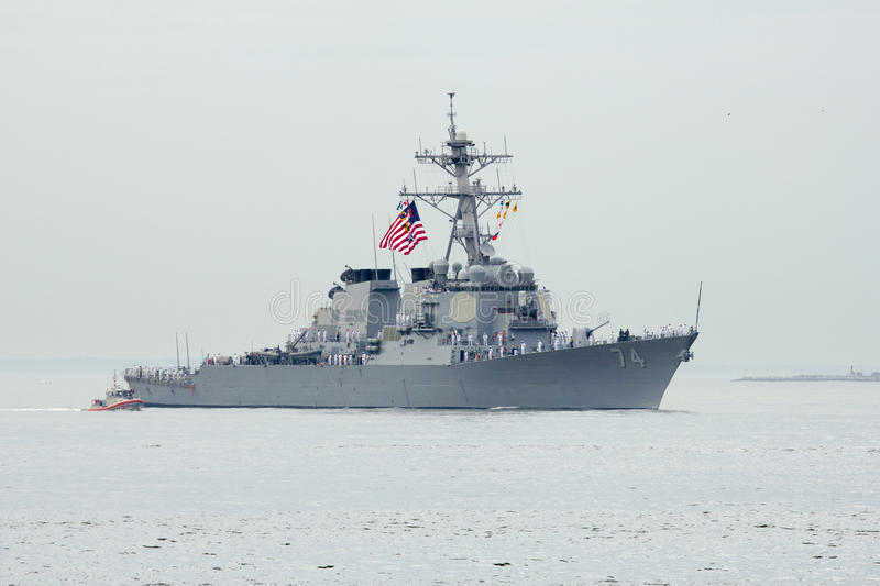 USS McFaul guided missile destroyer of the United States Navy during parade of ships at Fleet Week 2014. NEW YORK - MAY 21 USS McFaul guided missile destroyer of stock images