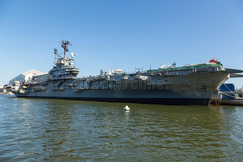 USS Nieustraszony, klasa lotniskowowie, przy Nieustraszonym przestrzeni muzeum zdjęcia royalty free