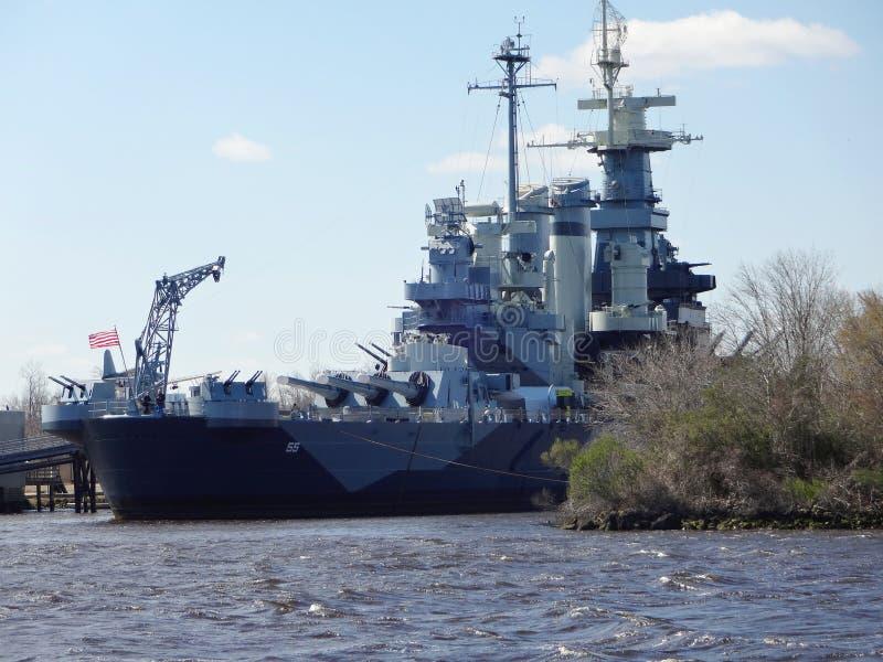 USS norr Carolina Battleship i Wilmington, norr Carolina Seaport fotografering för bildbyråer