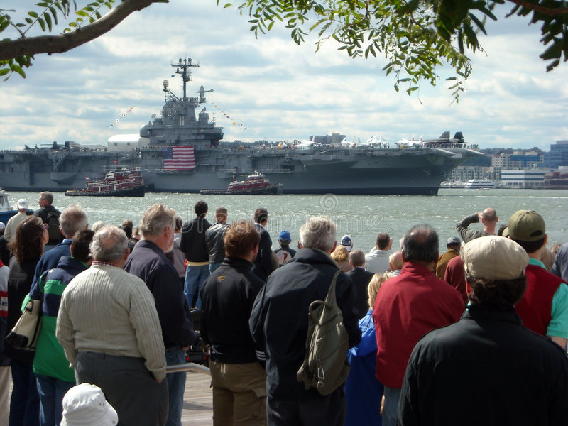 USS Onversaagde Homecoming stock fotografie