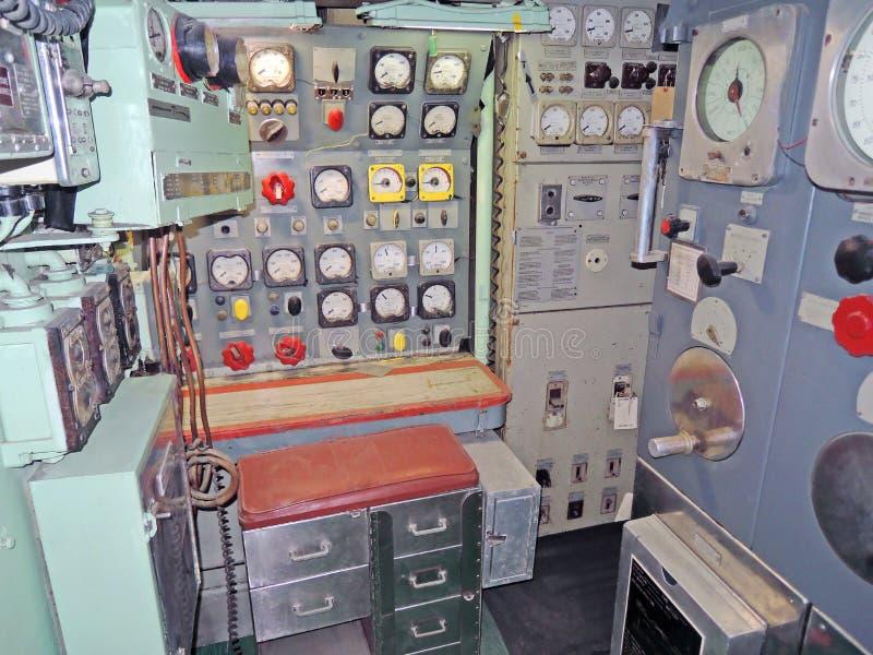 USS-Prüfspule: Elektrische Motorsteuerungs-Kontrollstation Stockfoto ...