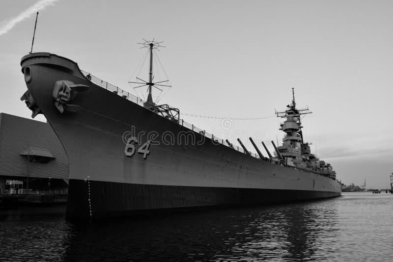 USS Wisconsin i Norfolk, Virginia arkivbild