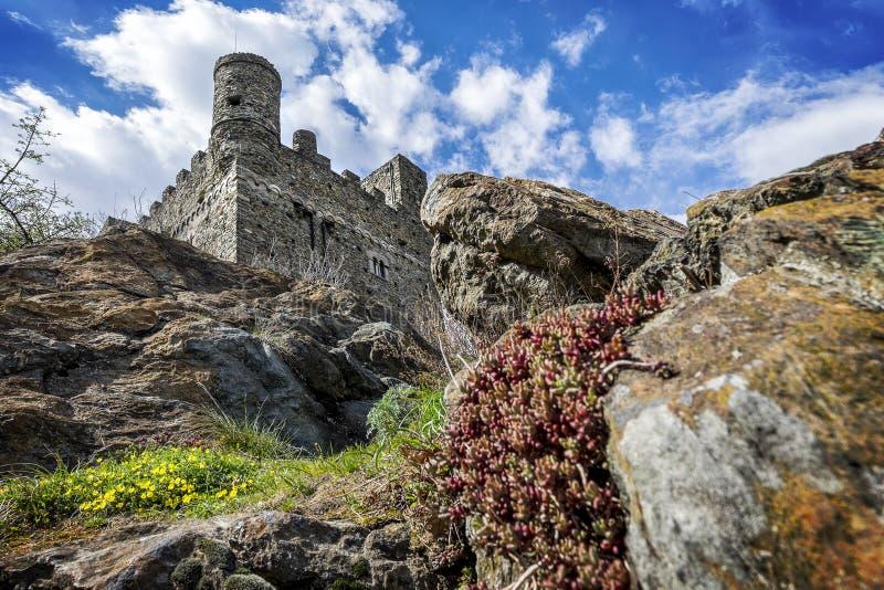 Ussel城堡在Chatillon在瓦莱达奥斯塔,意大利 库存图片