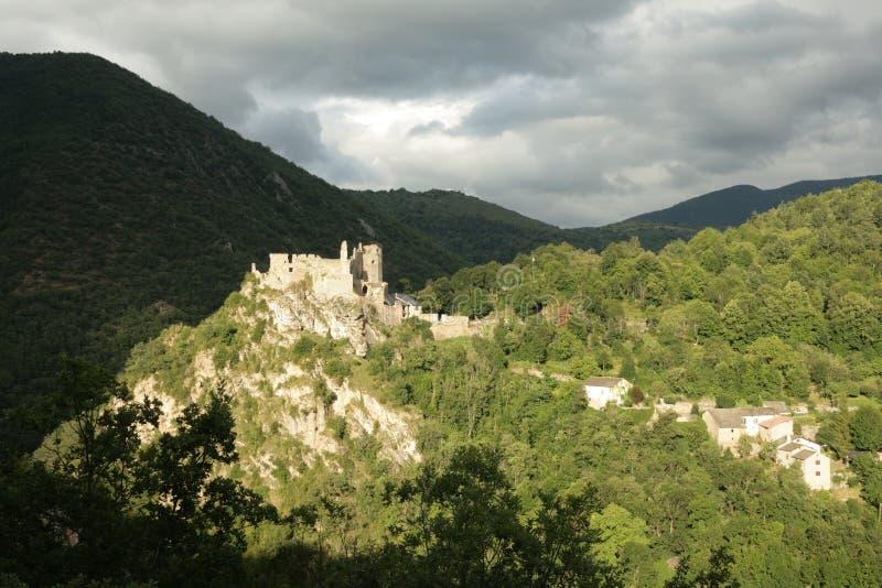 Usson Schloss in Pyrenees lizenzfreie stockbilder
