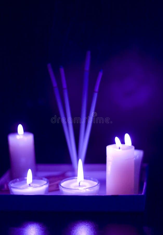 ustawiać płonące świeczki fotografia stock